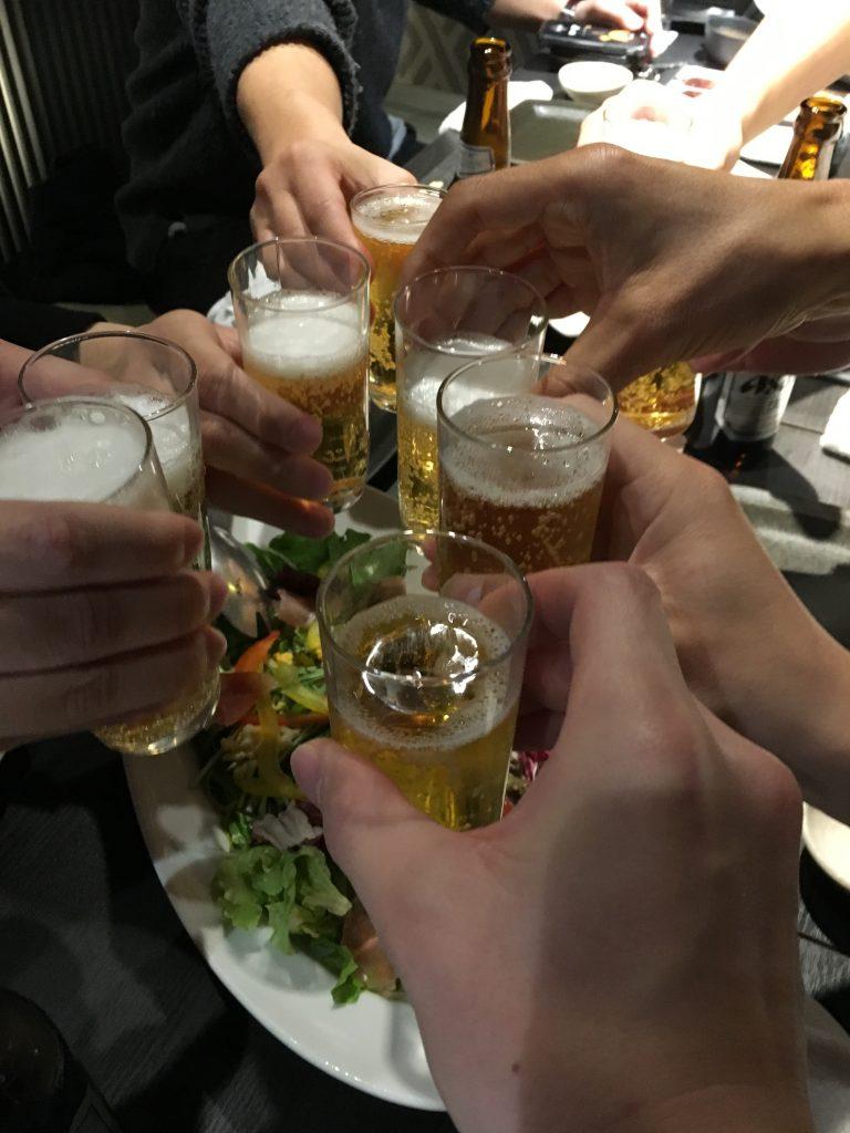 名古屋オフ会のナンパ仲間との乾杯写真