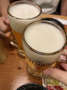 ナンパ仲間とビールで乾杯