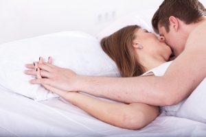 女性とのキス、前戯